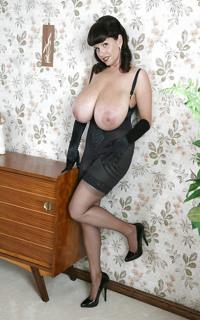 Дешевые и пожилые проститутки москвы смотреть онлайн в hd 720 качестве  фотоография